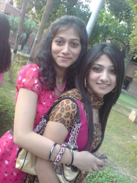 Hot lahori nude girls-7515