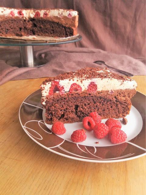 Ciasto czekoladowe z malinami i kremem / Chocolate Cream Raspberry Cake
