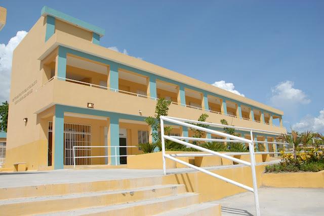 Presidente Danilo Medina entrega un centro educativo en Bahoruco