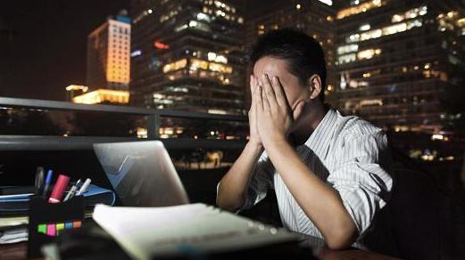 أضرار العمل ليلا وما الحل
