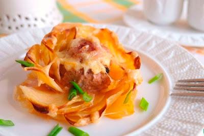 Красивая и простая картофельная запеканка с фрикадельками