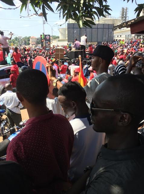 Guinée, marche du FNDC à Conakry : des citoyens fortement mobilisés au rond-point de la tannerie