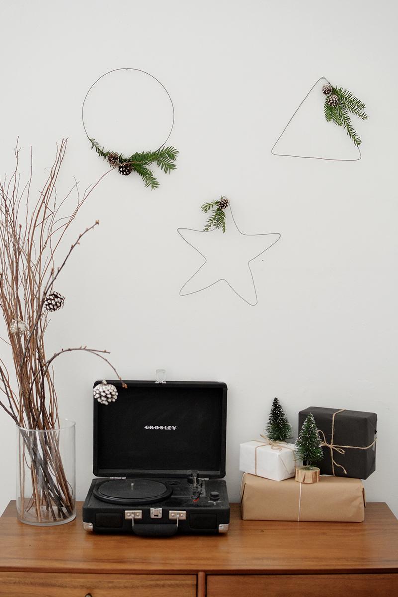 minimal christmas decor scandinavian wreath