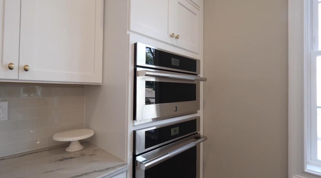 13 Photos vs. Ho-Ho-Kus, NJ Toll Brothers Ringwood Luxury Home Interior Design Tour