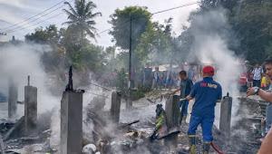 Diduga Tersambar BBM, Warung Naibaho Terbakar di Samosir
