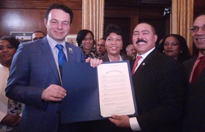 Alcaldía de Paterson entrega proclama a Polanco por trayectoria empresarial, comunitaria y  profesional