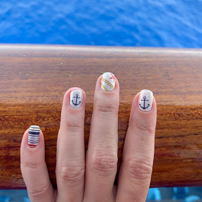 Nautical Nails - Easy Dry Nail Polish Strips #VacayVibes #summernails