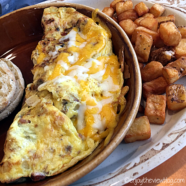 Supreme Omelet with fried potatoes