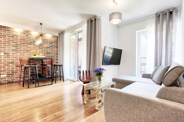 Airbnb holiday rental krakow, industrial modern luxury interior, close to kazimierz Jewish district