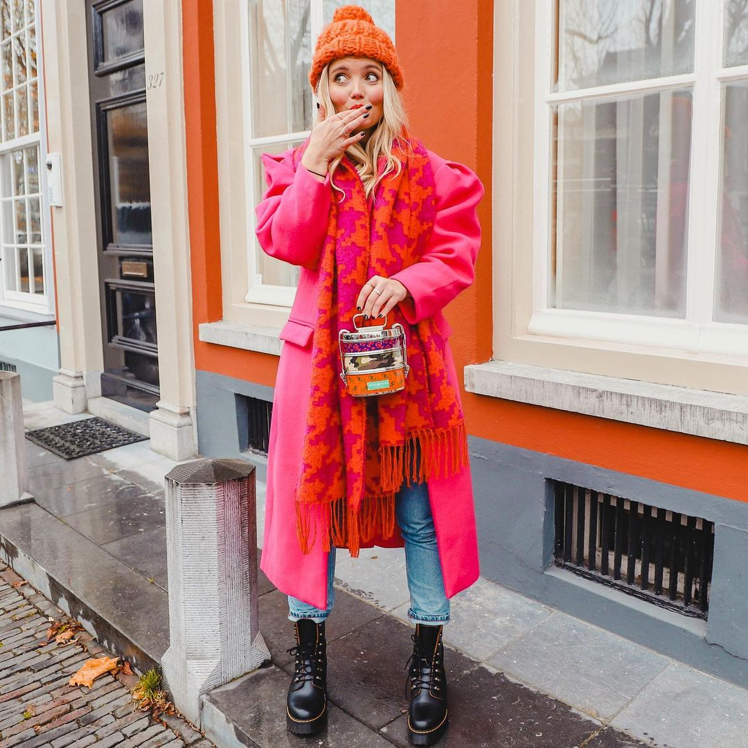 How to mix pink and orange color