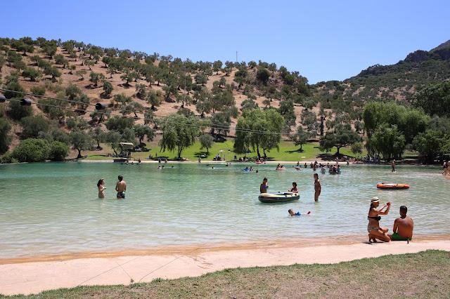 Playa artificial de Zahara de la Sierra