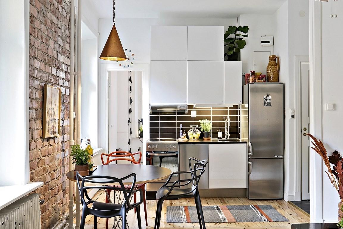 Atmosferă plină de căldură într-un apartament de numai 32 m²