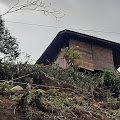 Bangunan Villa Diduga Tak Berizin Berdiri Diatas Bukit Desa Cibodas Pacet