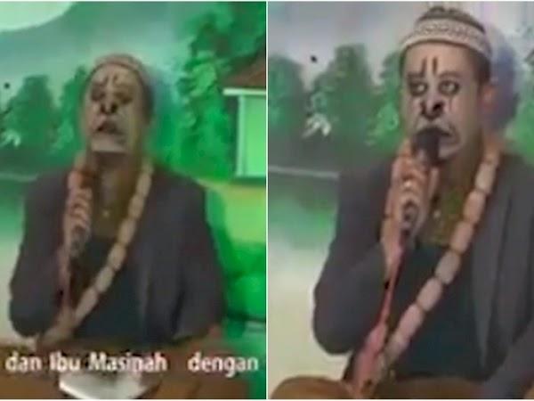 Video Ustadz Lecehkan Agama, Wajahnya Dicat Tokoh Wayang, Alquran Dipakai Buat Melawak