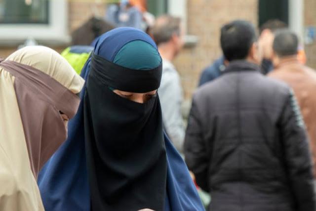 Ολλανδία: Σε ισχύ ο νόμος για την απαγόρευση της μπούρκας στα σχολεία