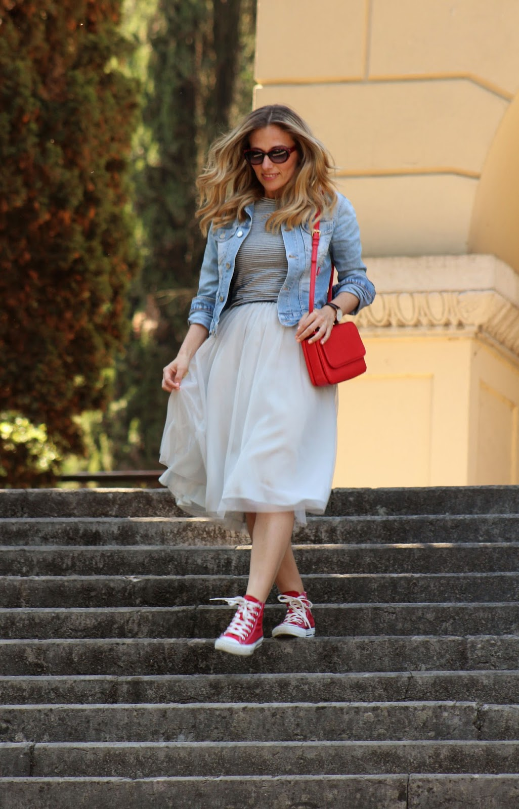 Eniwhere Fashion - gonna in tulle e Converse