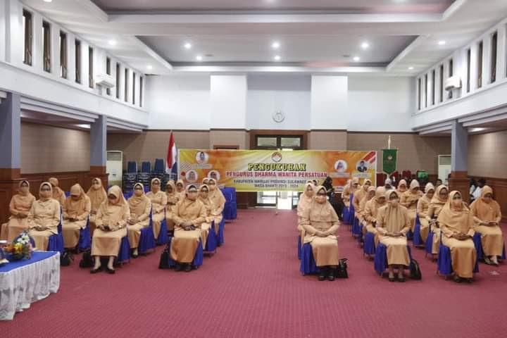 Darma Wanita Persatuan Sul-bar Dikukuhkan Metode Virtual.