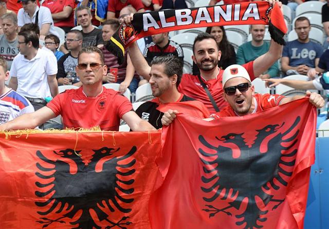 Koleksi Poto Suporter Dari Pendukung Albania EURO 2016