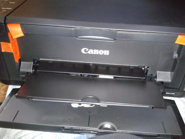 Impresora Canon justo terminada de destapar.