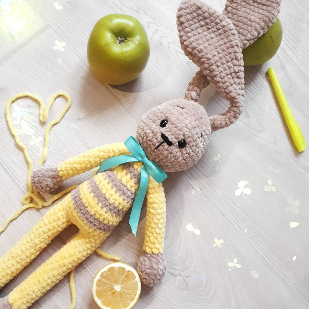 Crochet plush bunny pattern