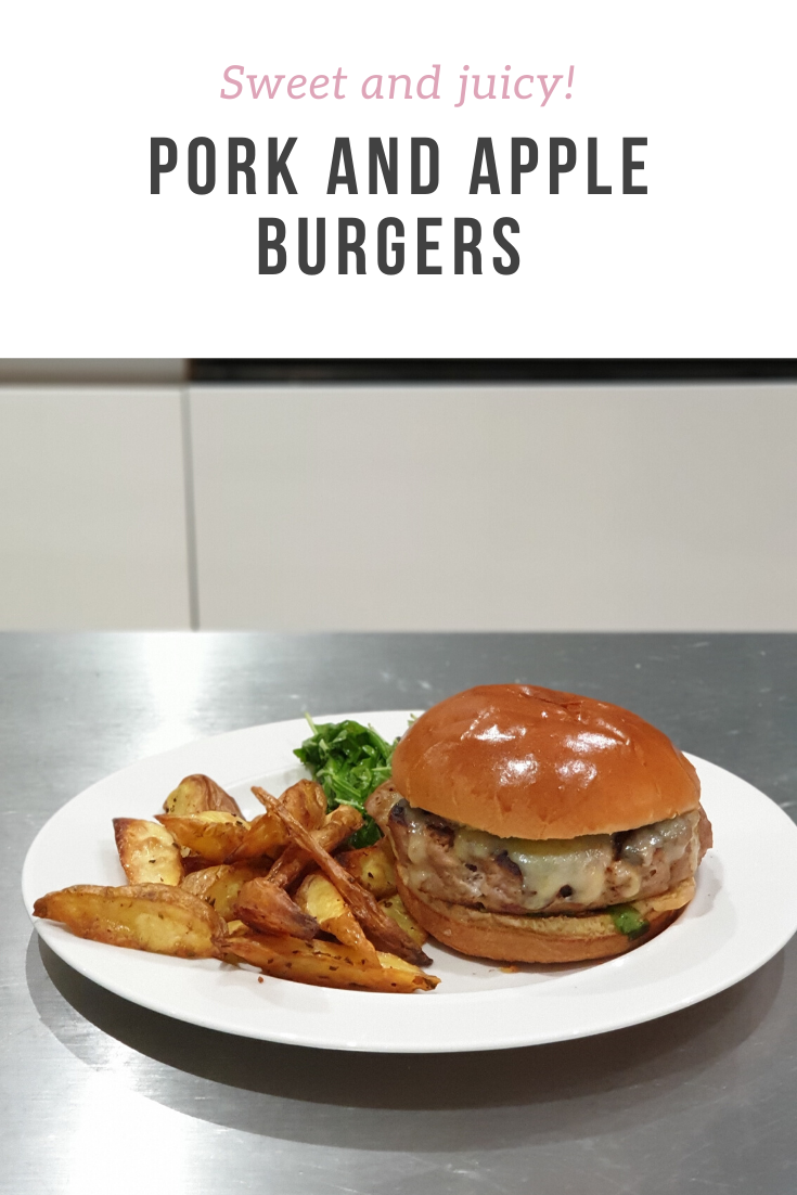 A very tasty pork and apple burger served with rosemary wedges and a salad - an easy and delicious recipe from HelloFresh.