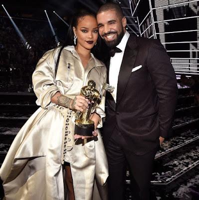 """Drake diz que Rihanna é a razão pela qual ele """"hesitou"""" antes de colaborar com Chris Brown"""