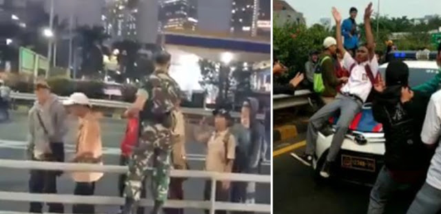 Video Demo Anak STM: Cium Tangan ke TNI, Tapi Brutal ke Polisi