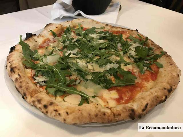 Pizza Luna Rossa (13,50€)