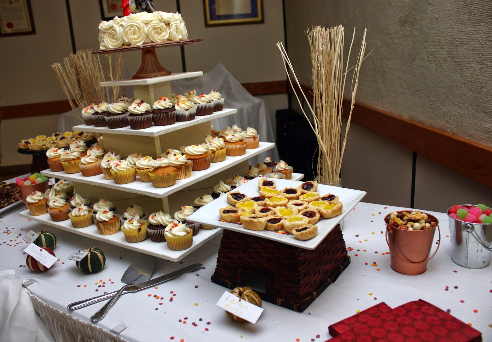 Fall colours dessert table