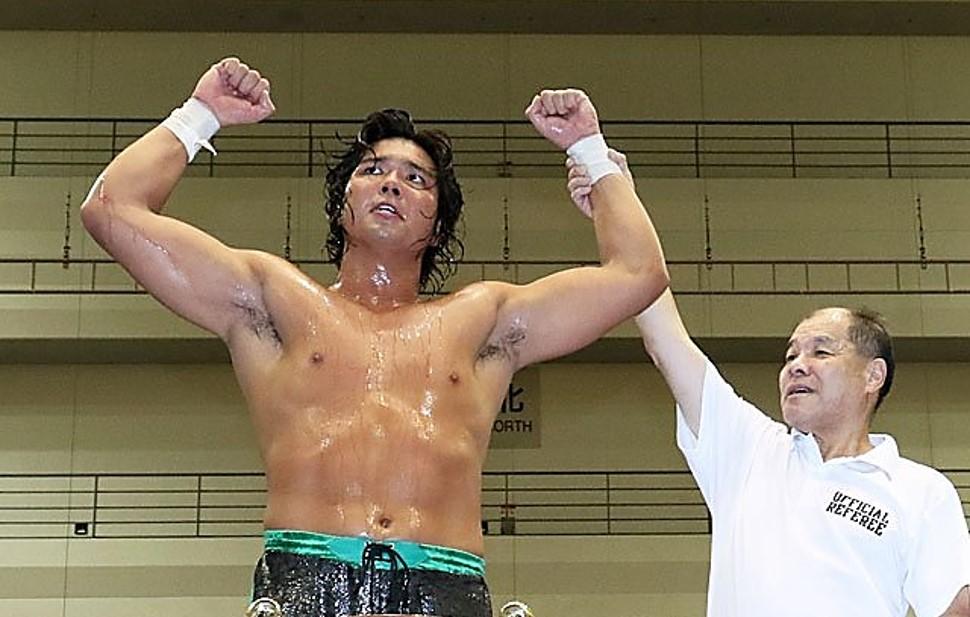 Jake Lee conquista o AJPW Triple Crown Championship