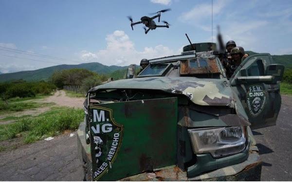 CJNG siembra TERROR en Aguililla, Michoacán; este es su poderoso ejercito (FOTOS)