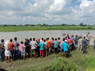 मछली मारने गए दो युवकों की तालाब में डूबने से मौत | #NayaSaveraNetwork