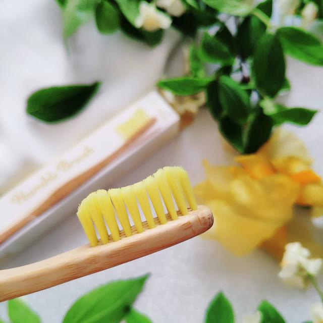Wegańskie, bambusowe szczoteczki do czyszczenia zębów The Humble