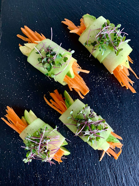 Knackiges und vitaminreiches Fingerfood #Rezept #glutenfrei #vegan, Microgreen, Growgrownut, Snack, Gemüse, Gurke, Möhren, Avocado