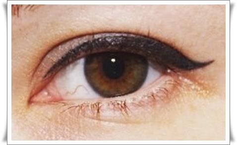 Татуаж глаз стрелки