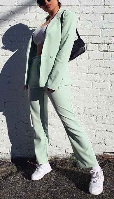 Blazers one of those important wardrobe staples that everyone should have. See these 22 Catchy Blazer Outfits to Stand Out from The Crowd. Coat + Jacket Outfits via higiggle.com | soft green blazer set for women | #blazer #jacket #casualoutfits
