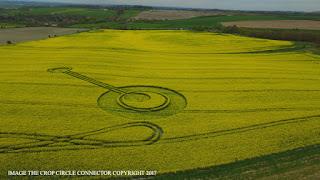 crop circle pertama