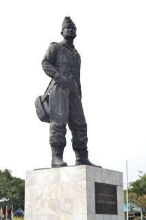 Monumen Husein Sastranegara