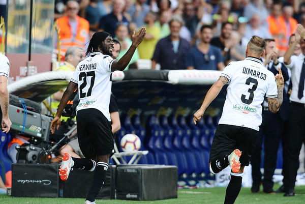 Gervinho of Parma Calcio celebrates after scoring his team's second goal during the serie A match between Parma Calcio and Cagliari at Stadio Ennio Tardini on September 22, 2018 in Parma, Italy