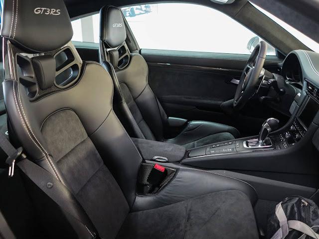 Porsche GT3 RS Max Vertappen - interior