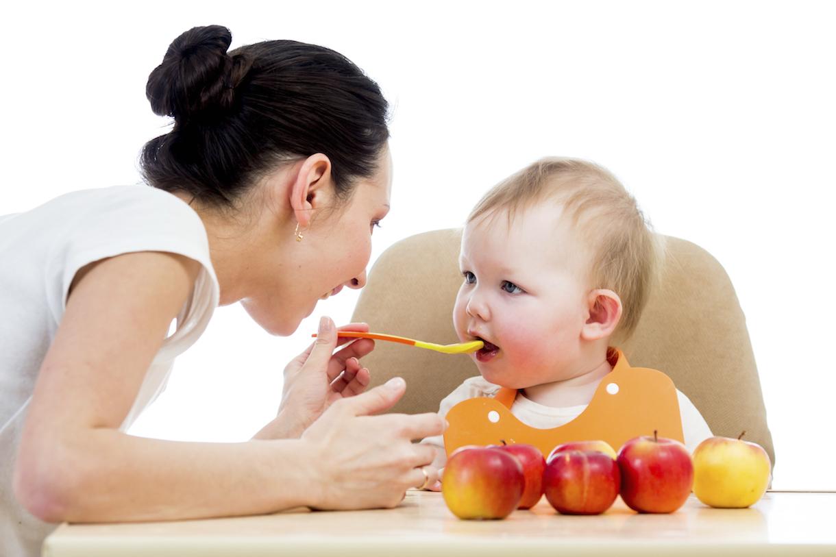 Chia sẻ kinh nghiệm cho bé 6 tháng ăn dặm các Mẹ nên biết
