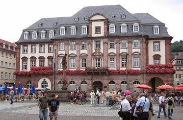 http://plecinlume.blogspot.de/2014/04/printese-in-castelul-de-la-heidelberg.html