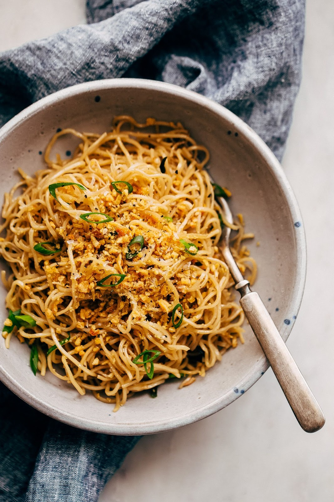 CRAZY GOOD QUICK GARLIC NOODLES #garlic #food #recipe #eathing #healthy