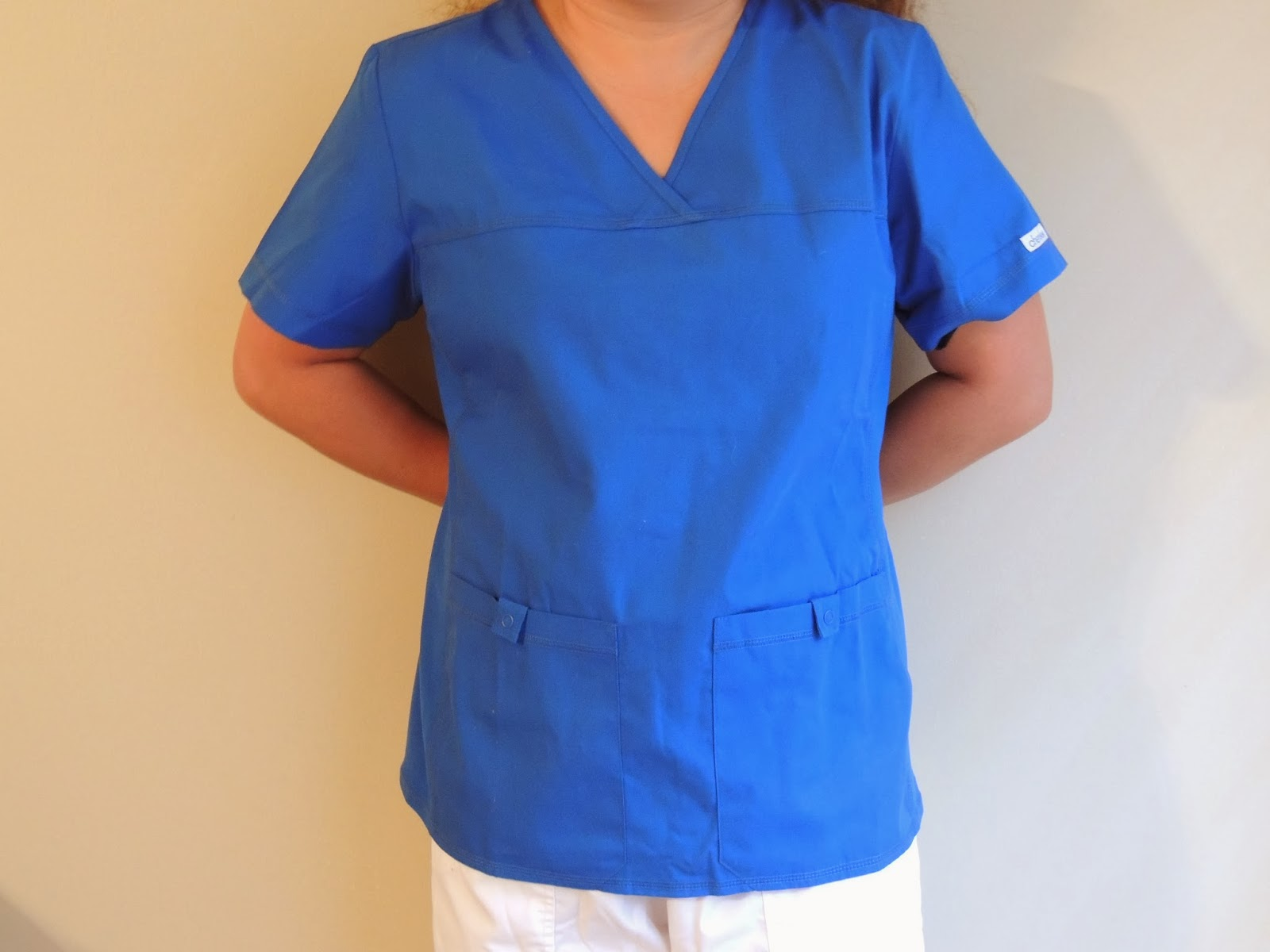 9b354ee493d Cherokee Flexibles Pro Womens V-Neck Scrub Top Product Review