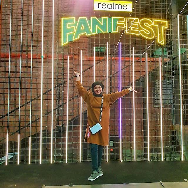 828 realme Fans Festival at New realme Design Studio.