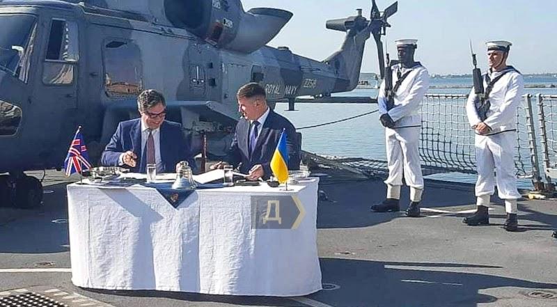 Британський міністр підписав в Одесі договір про розвиток ВМСУ