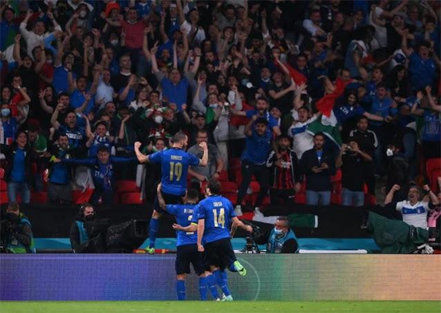إيطاليا وإنجلترا