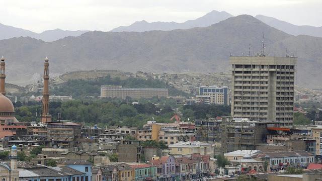 Ataque suicida em casamento no Afeganistão mata 63 pessoas
