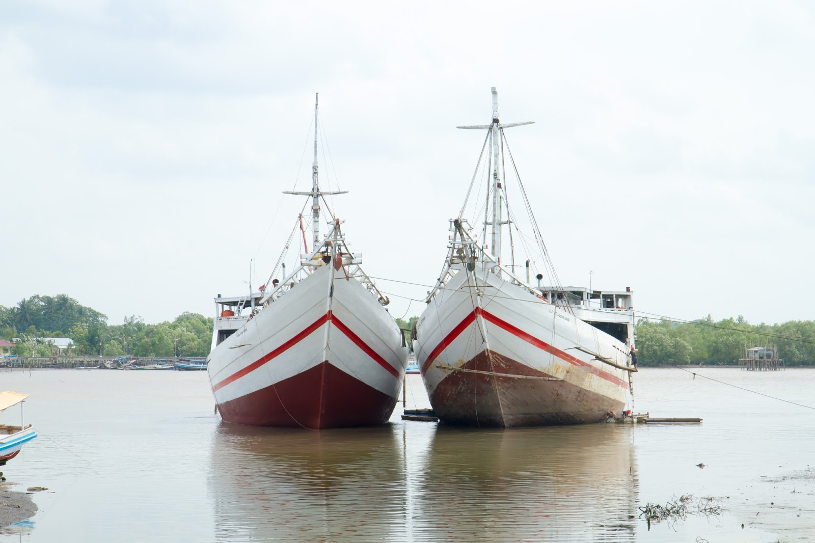 ships in the belitung harbour