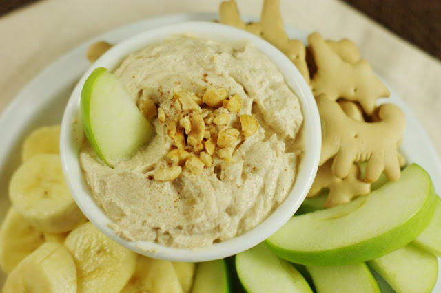 Peanut Butter Greek Yogurt Fruit Dip